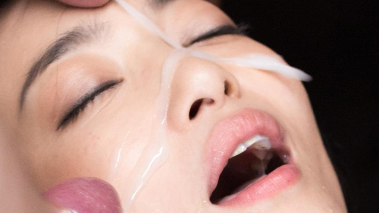 SpermMania, uncensored Bukkake, Blowjob, Cumshot and Facial fetish videos featuring nude Japanese AV Idols sucking cocks.