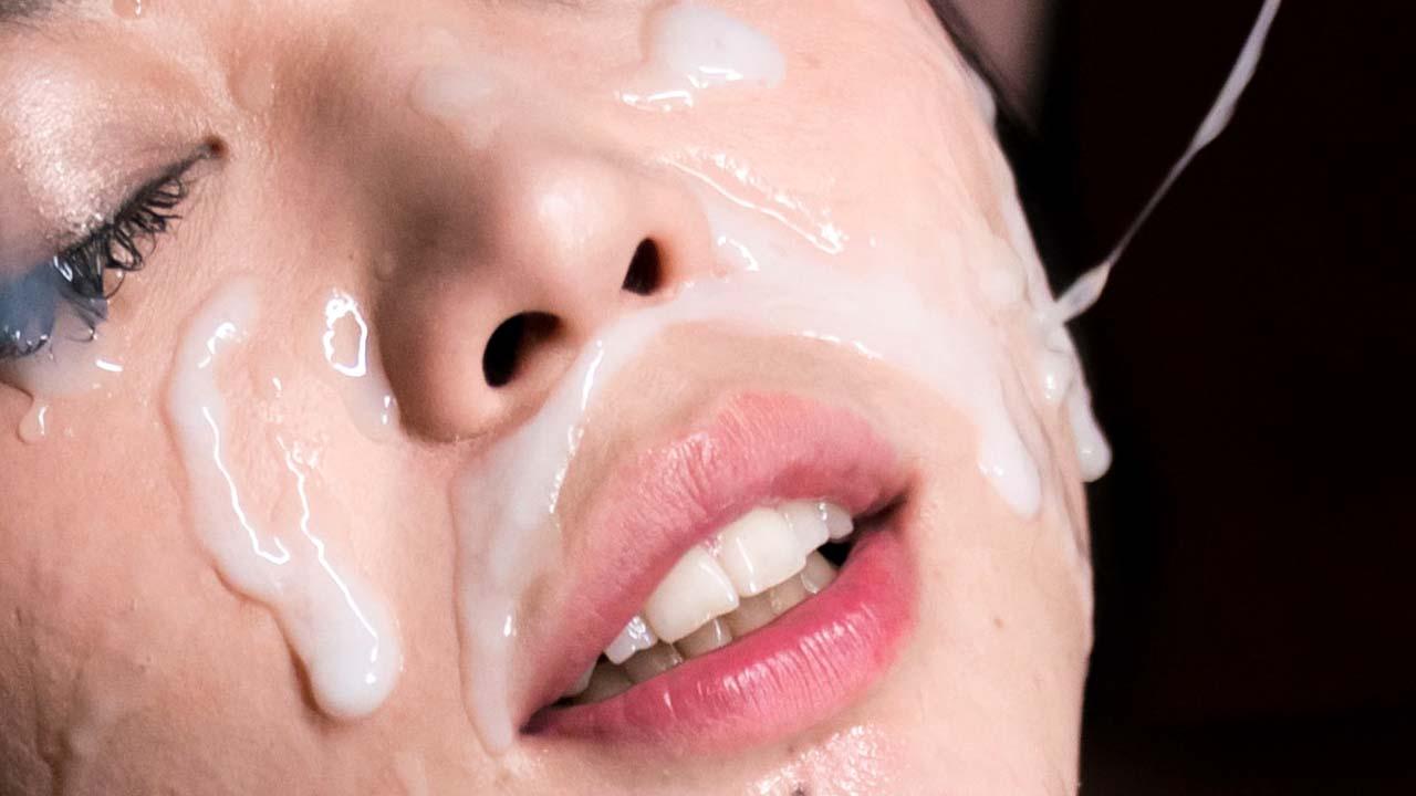 SpermMania, uncensored Bukkake, Blowjob, Cumshot and Facial fetish videos featuring nude Japanese AV Idols sucking cocks.