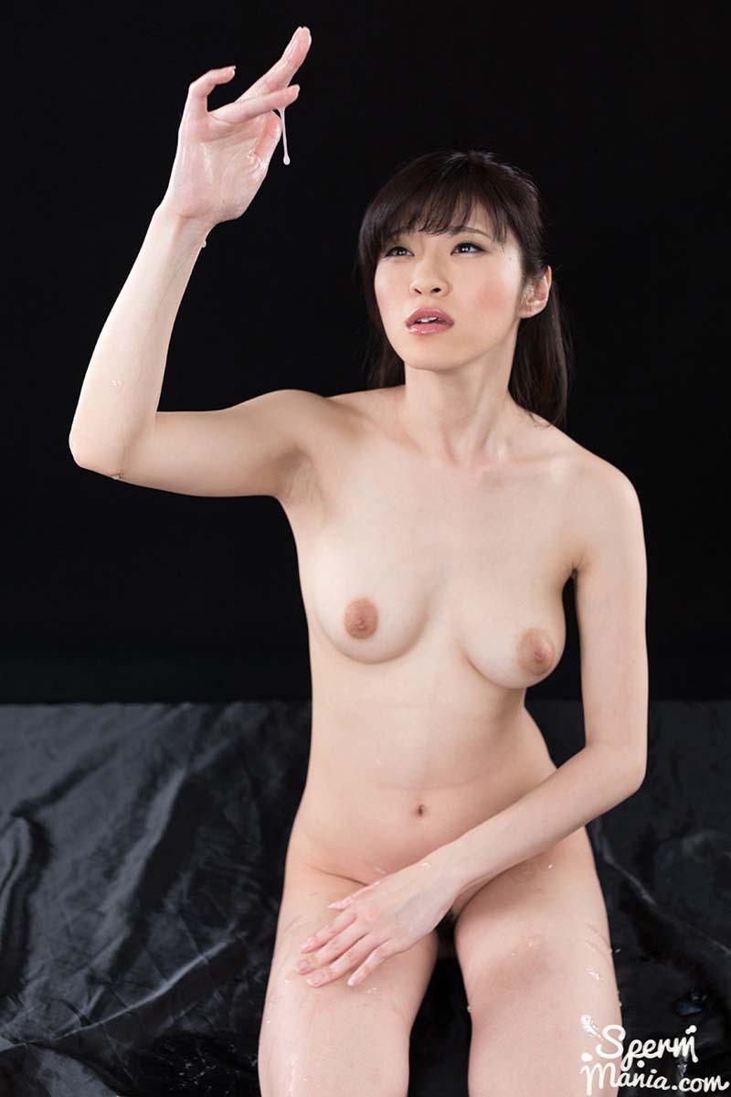 Nude Japanese AV girl Sara Yurikawa Jacks Off A Group of Guys With Cum. Uncensored Group Cum Handjob video from Sperm Mania.