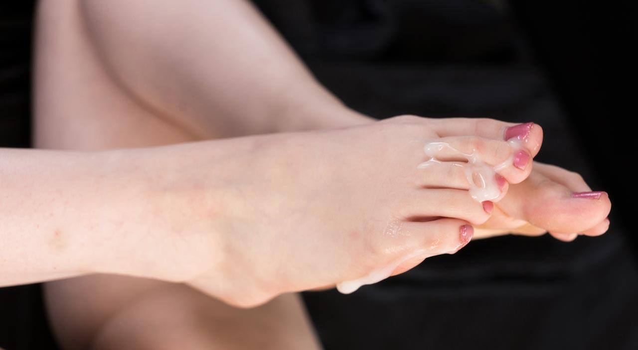 Legs Japan uncensored FootJob, Foot and Leg Fetish videos. Nude Japanese AV Idols giving FootJobs, enjoying Foot worship, toe licking and Feet Bukkake.  The best Leg fetish with perfect Japanese legs.