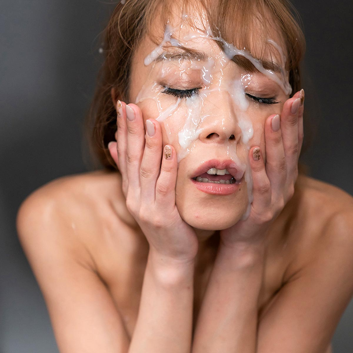 "Nanako Nanahara SpermMania video ""Nanako Nanahara's Sticky Bukkake Facial"". The nude girl is covered with cum on her face. Cumshot Fetish."