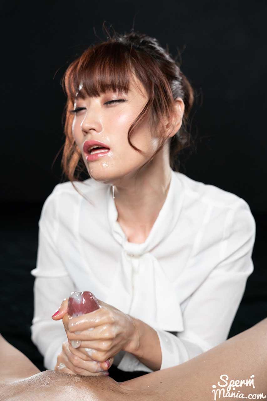 Mizuki Cum Handjob in Mizuki's Cummy Handjob, an uncensored SpermMania video.
