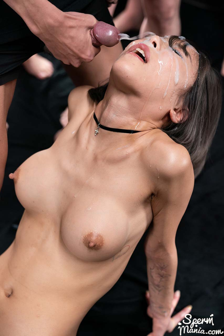 Nanako Nanahara Bukkake Facial Fetish in an uncensored SpermMania video. The naked Japanese girl receives 33 cumshots on her face.