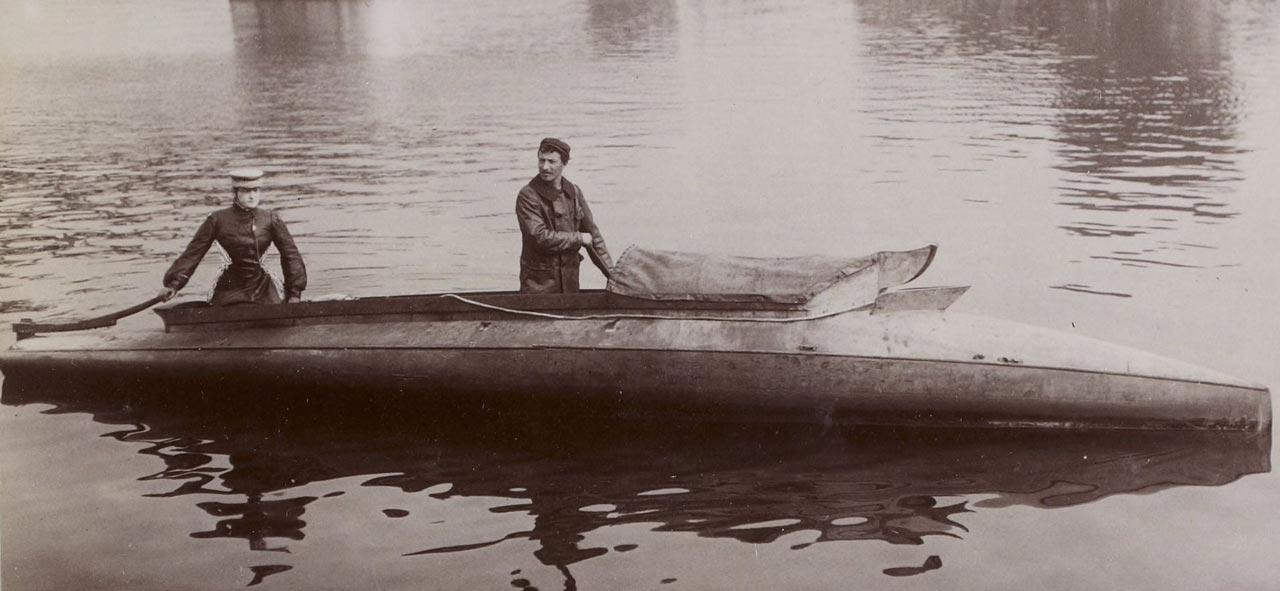 Camille du Gast testing the Darraq motor boat of Mr Caillois at Juvisy